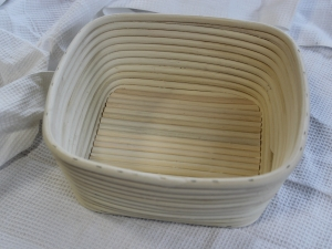Корзина для расстойки теста из ротанга квадрат 0,75 кг